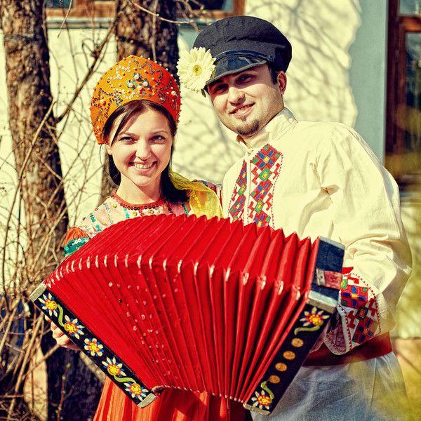 Частівки на весіллі: традиції та розваги