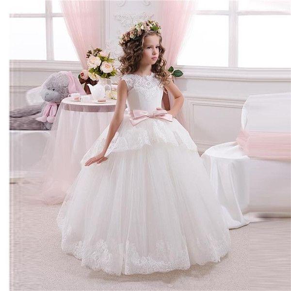 Дитячі сукні на весілля: як народити дітей на торжество?