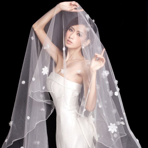 Цікаві головні убори нареченої - що надіти на весілля?
