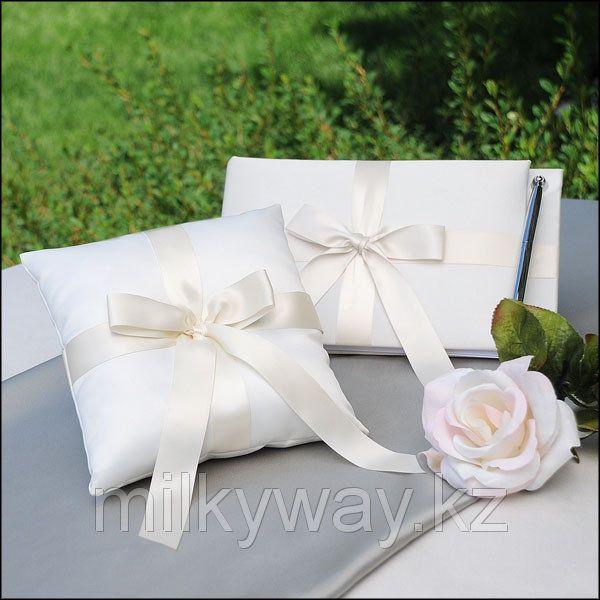 Книги для майбутніх наречених - література, яка допоможе підготуватися до весілля і сімейного життя
