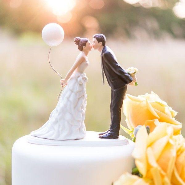 Чому кричать гірко на весіллі, традиції і повір`я наших предків