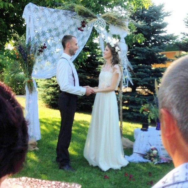 Привітання на весілля племінниці: як привітати гідно?
