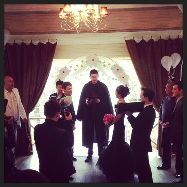 Весілля в готичному стилі: таємниче захід, що зберігає секрети