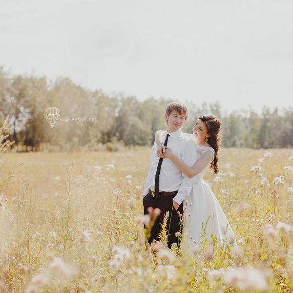 Весілля в поле влітку: образ нареченого і нареченої і стиль весілля