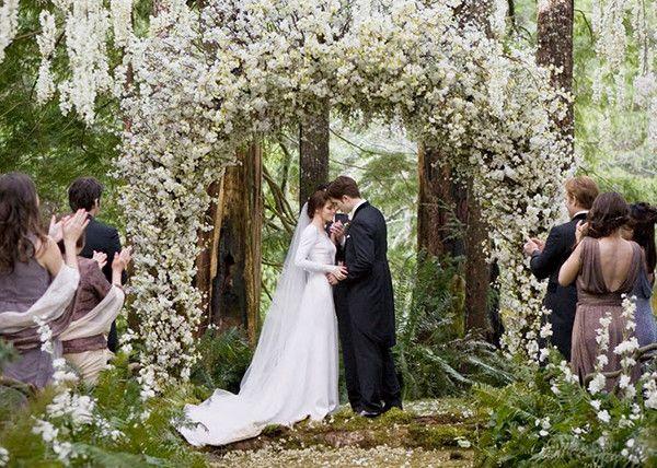 Весілля в стилі бохо влітку: особливості стилю, наряди наречених і місця для проведення торжества