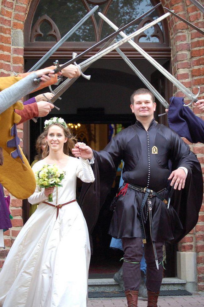 Весілля в стилі середньовіччя - здійснена мрія сучасних романтиків