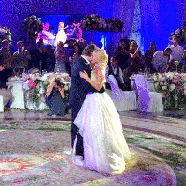 Танці на весіллі від друзів, як оригінальний подарунок молодим