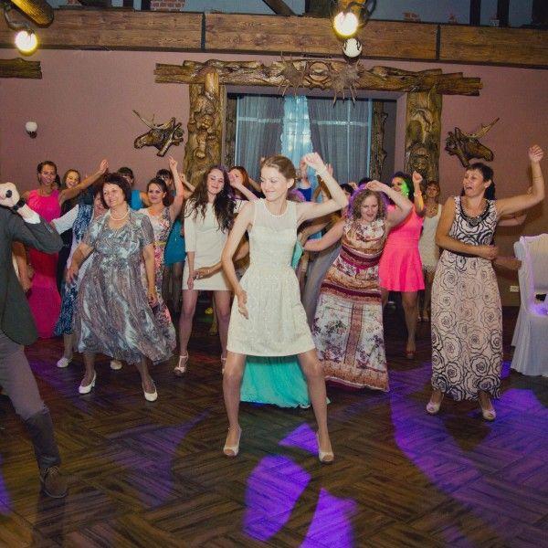 Танець в подарунок на весілля - оригінальний і творчий подарунок на будь-який смак