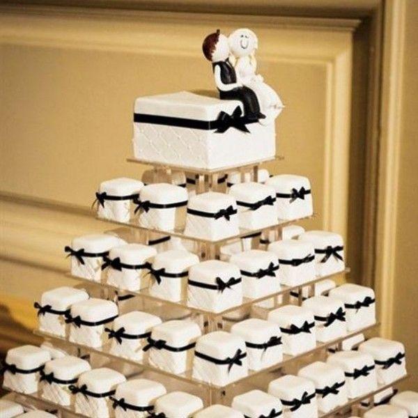 Торт на весілля з капкейк: які вони бувають, як підібрати правильну колірну гамму і як виготовити своїми руками