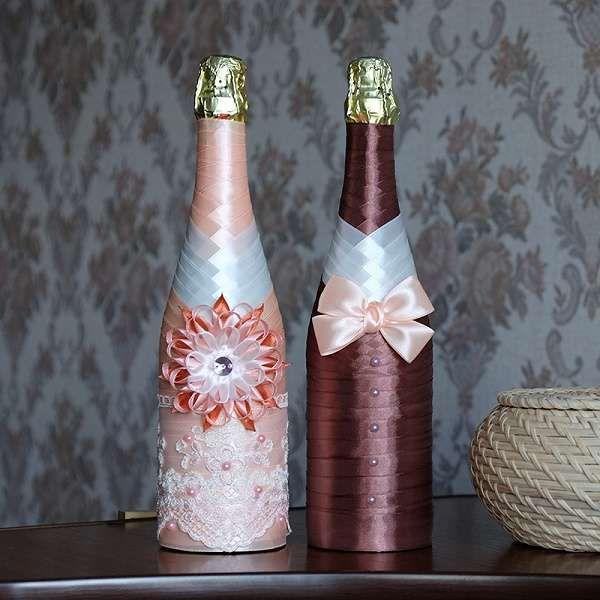 Прикраса пляшок на весілля стрічками - цікаві ідеї