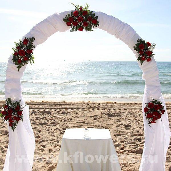 Прикрасити арку на весілля своїми руками: прості ідеї для закоханої пари