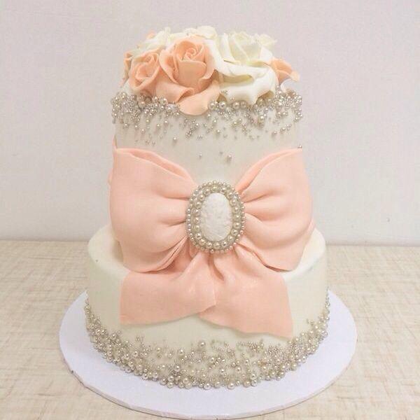 Прикрасити торт на весілля: популярні способи оформлення, прикраса в домашніх умовах