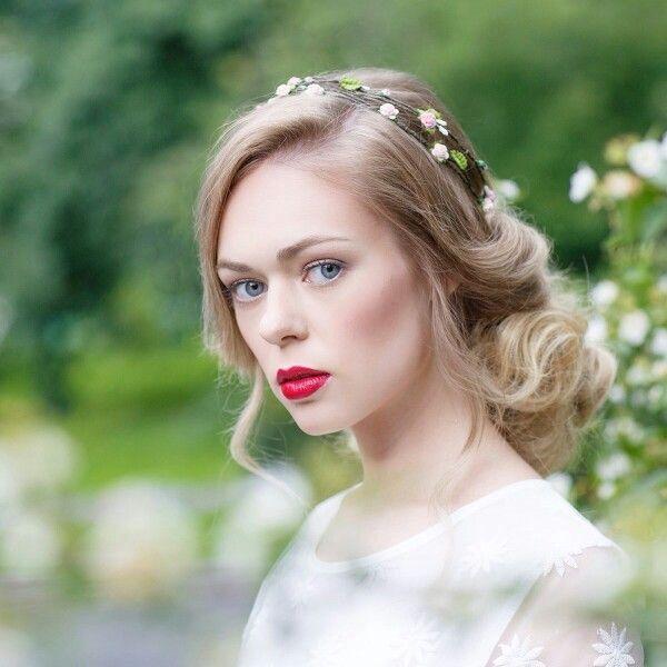 Весняні весільні зачіски для різної довжини волосся