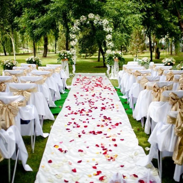 Виїзна реєстрація весілля: переваги і в чому сама ідея