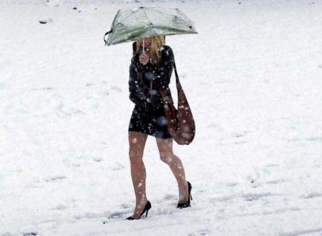 Зимові дівчата, які принесли в жертву здоров`я заради краси